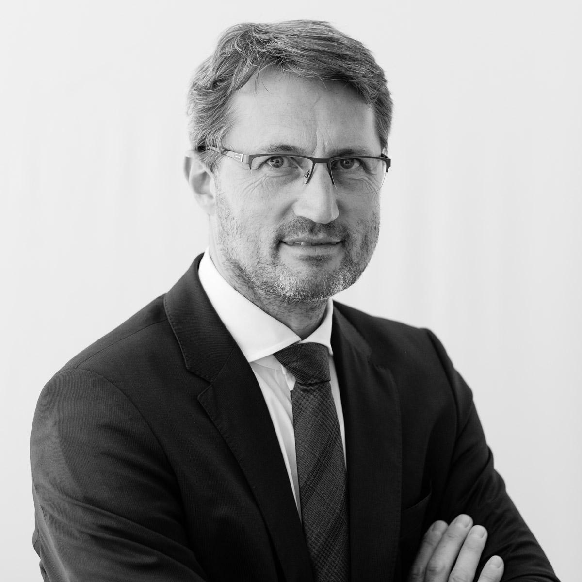 Dr. Bernhard Huber, LL.M.